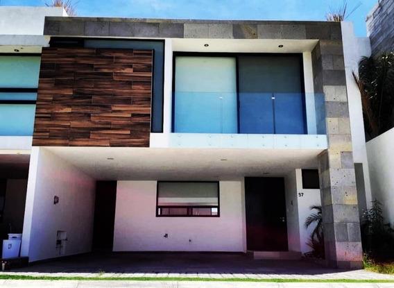 Casa En Renta En Lomas De Angelopolis, Parque Queretaro!