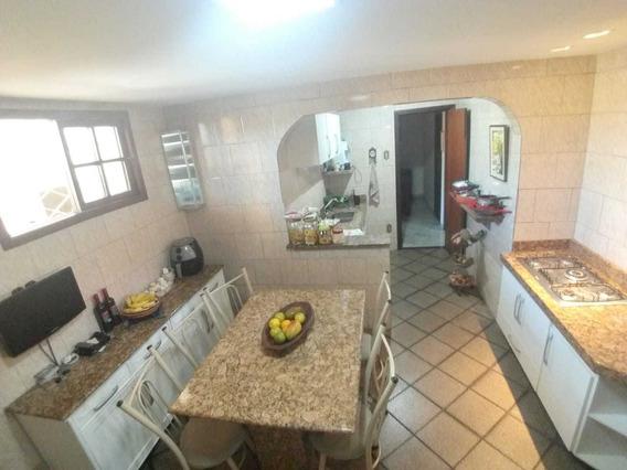 Casa De 3 Quartos Bairro Alípio De Melo - 4629
