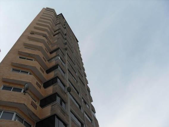Apartamento En Venta En La Trigaleña Valencia 2010441 Gav