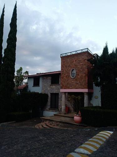 Casa En Renta Calle Tehpacua, Bosque Camelinas