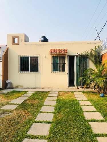 Casa En Venta En Condominio En Lomas Trujillo