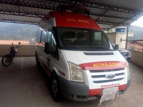 Transit Ambulancia 2011