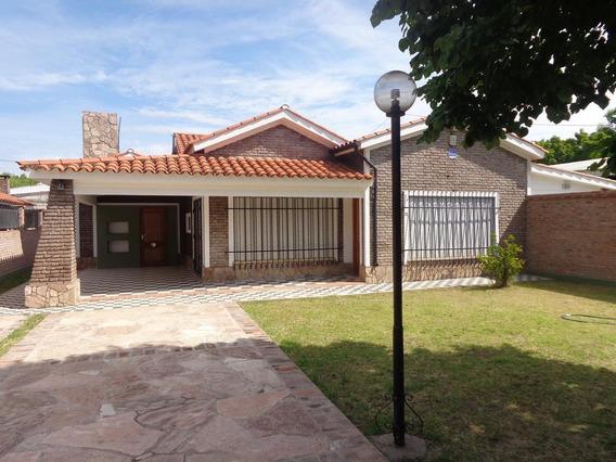 Casa En Alquiler Granadero Baigorria Jardín Pileta.
