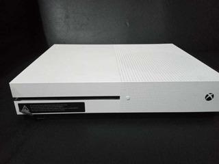 Xbox One En Buen Estado, Incluye 4 Juegos Dos Joystic