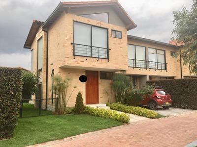 Rento Casa Con Club House En Bosque Madero