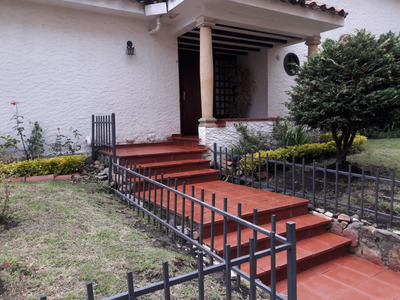 Clásica Casa En San Patricio- Venta