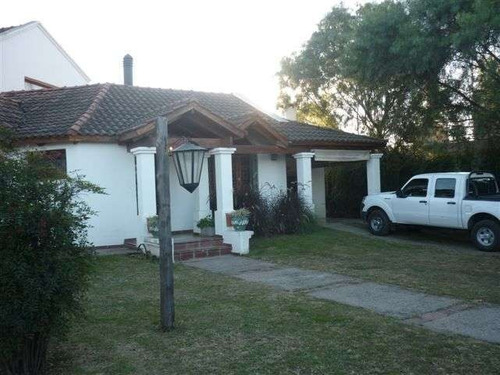 Imagen 1 de 30 de Casa En Venta De 4 Dormitorios, La Herradura, Villa Allende