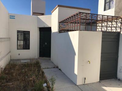 Casa Ubicada En Fraccionamiento San Gerardo