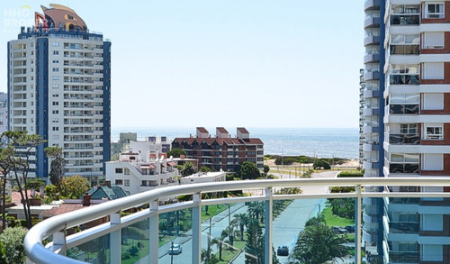 Oportunidad Punta Del Este - Departamento En Venta - Playa Mansa, Sol Y Luna Home & Spa- Ref: 2078