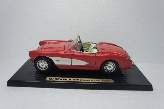 Chevrolet Corvete 1957 Escala 1/18