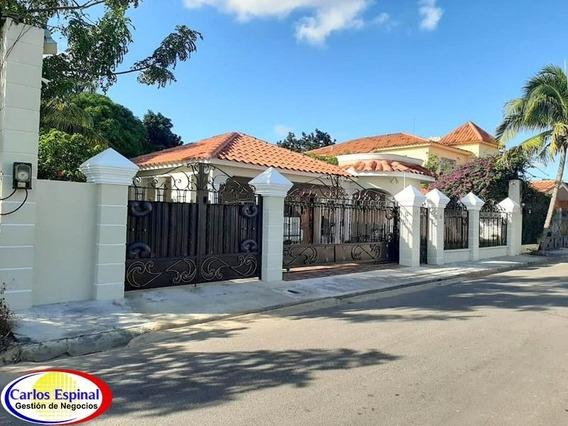 Casa En Venta En Higuey, Republica Dominicana