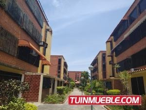 Apartamento En Venta En Guaicamacuto 19-9684 Jev