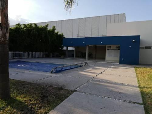 Departamento En San Pedrito Peñuelas, 2 Recamaras, 2 Baños, Sala Tv, Alberca.-