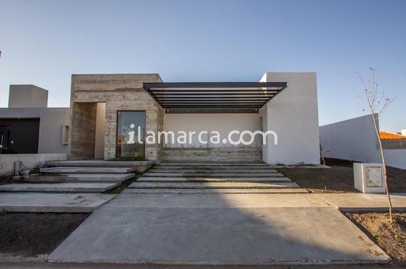 Casa A Estrenar En Comarca De Allende - Villa Allende Toda En Pb