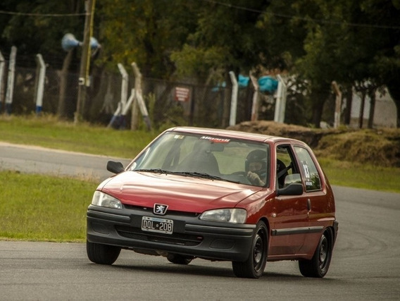 Peugeot 106 1.6 16v (trackday) Permuto (leer!)