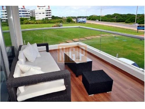 Apartamento En Brava, 3 Dormitorios  -ref:9953