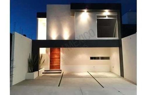 Venta Casa Nueva En Fraccionamiento Villa Magna, Acabados De Lujo, 3 Recámaras