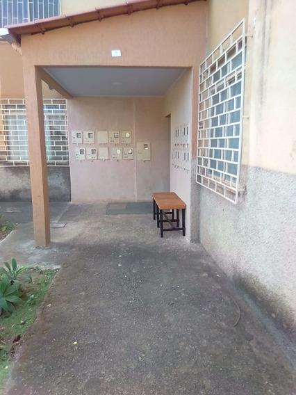 Apartamento - Floresta - 550