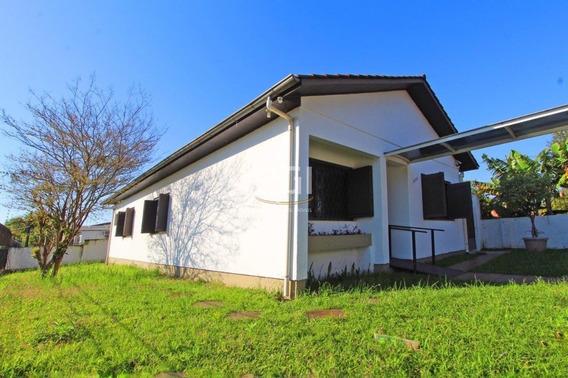 Casa Em Tristeza Com 3 Dormitórios - Bt8872