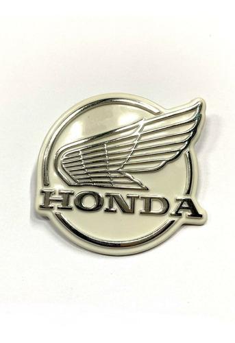 Emblema Cubrepiernas Honda C70