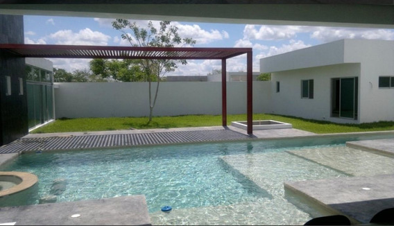 Venta De Residencia En Residencial Del Mayab Temozon Norte, Mérida