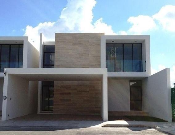 Privada El Triunfo, Residencia En Venta
