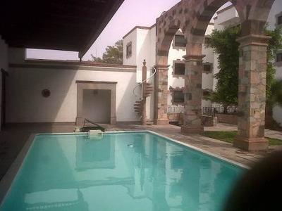Se Renta Departamento En El Centro Histórico De Querétaro, Amueblado, Alberca..