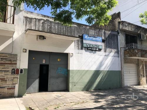 Imagen 1 de 9 de Depósito - Villa Del Parque