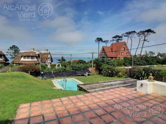 Casa Con Vista Al Mar En Alquiler Anual En Pinares - Punta Del Este