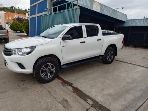 Imagen 1 de 15 de Toyota Hilux 2018 2.7 Cabina Doble Sr Mt