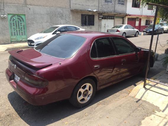 Nissan Altima 2.5 Se 5vel Aa Mt 1996