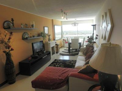 Impecable Apartamento, Frente A Punta Shopping - Dueño Vende