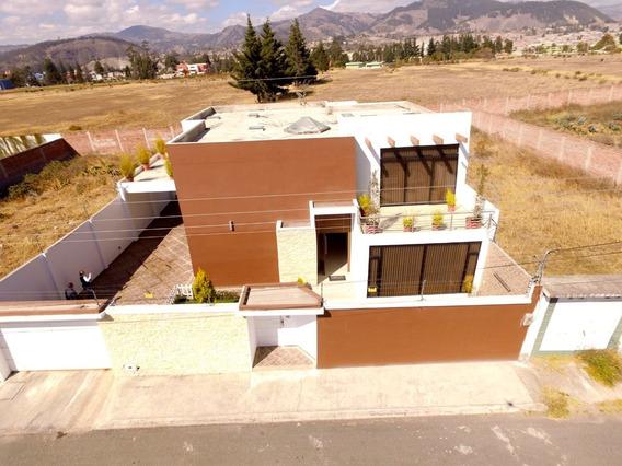 Casa En Los Manzanares. Riobamba