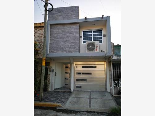 Imagen 1 de 12 de Casa Sola En Venta El Coyol (1a Sección)