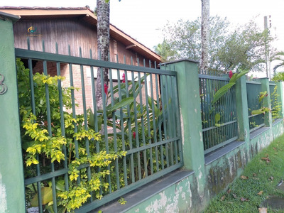 Casa A Venda No Bairro Enseada Em Guarujá - Sp. - En606-1