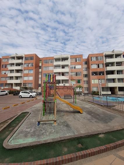 Apartamento En Conjunto Cerrado, Ibagué