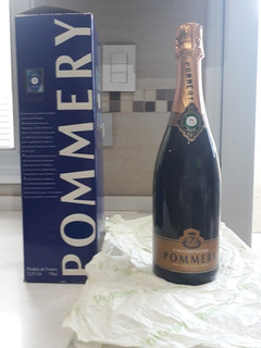 Champagne Pommery, Brut Royal.