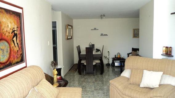 Apartamento En Venta Zona Este 20-2035 Mmm