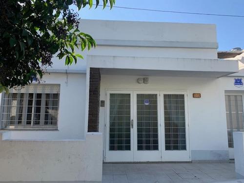 Imagen 1 de 14 de Casa Dos Dormitorios Cochera Cerrito 4200