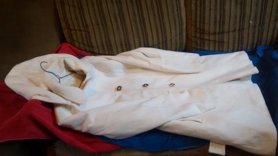 Casaco De Frio Com Capuz E Cinto.