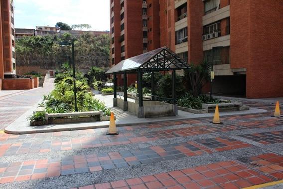 Apartamento En Venta En Prados Del Este.04142250913