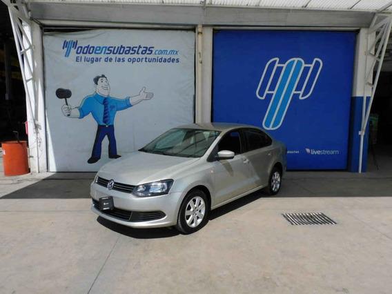 Volkswagen Vento 2015 4p Active L4/1.6 Man