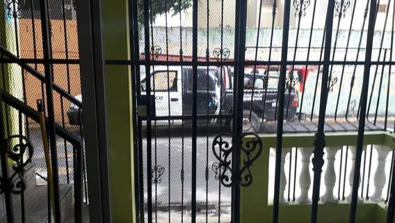 Alquilo Apartamento Sin Amoblar, 1er Piso Av. Independencia