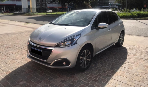 Peugeot 208 2019 1.6 Feline 11300 Km