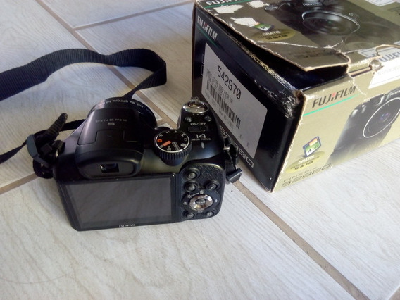 Câmera Semi Profissional Fujifilm (finepix S2980)