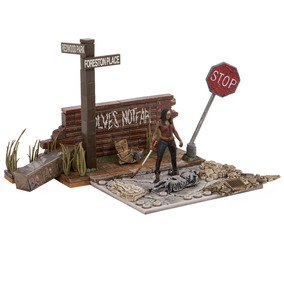 Walking Dead Diorama Wolves Not Far Michonne