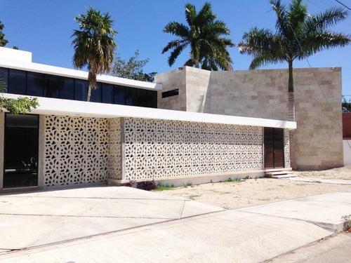 Oficina Ubicada En La Colonia México