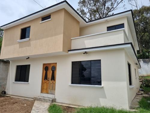 Imagen 1 de 4 de Casa En Venta San Cristóbal, Adentro De Colonia Pinares