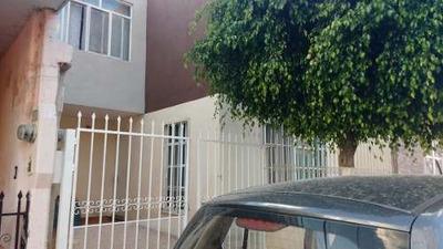 Casa En Fracc. Morelos I, Al Sur