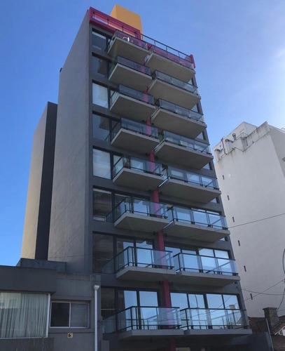 Departamento A Estrenar De 3 Ambientes Con Balcon Saliente Y Cochera